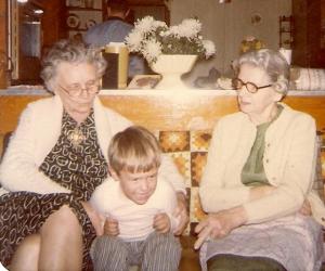 Grandma Wall, Nanny on left.  Grandma Boyles, Fannie on right.